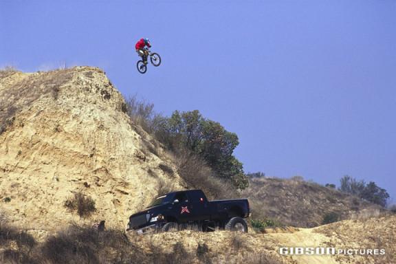 Wade Simmons salta il Moreno Gap, foto di John Gibson