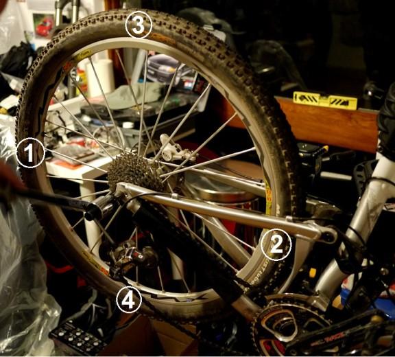 Prendiamo 4 riferimenti, posizionati ad ore 12, 3, 6 e 9 della ruota.