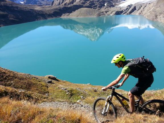 Il lago del Gries, nel Canton Vallese