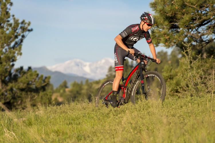 Garrett Gerchar rides the new Niner Bikes JET 9 RDO