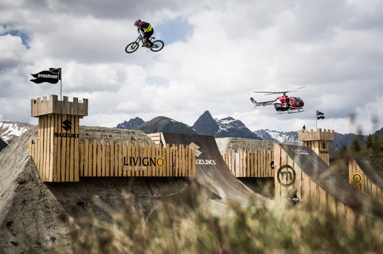 Suzuki Nine Knights MTB 2014 – Day 2 Heli Session