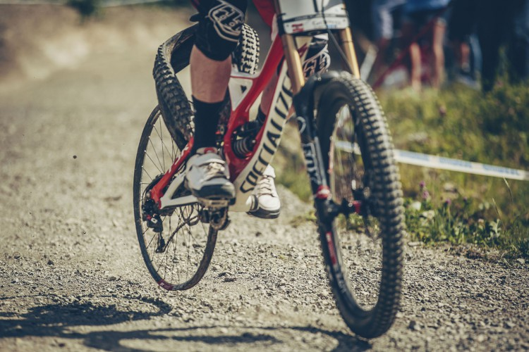 Sollecitazioni straordinarie che possono scentrare le ruote? Scendere da una pista di DH sul cerchio è sicuramente qualcosa che non fa bene alla ruota!