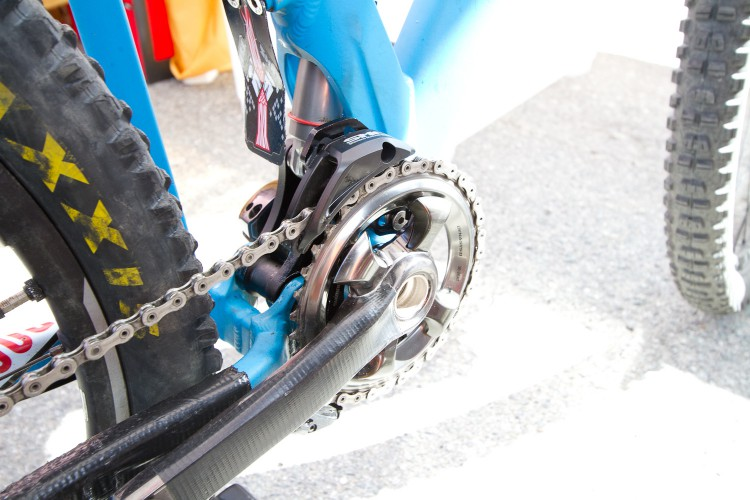 The front chainset felt stiff, and very smooth, with a silent operation of the chain guide.