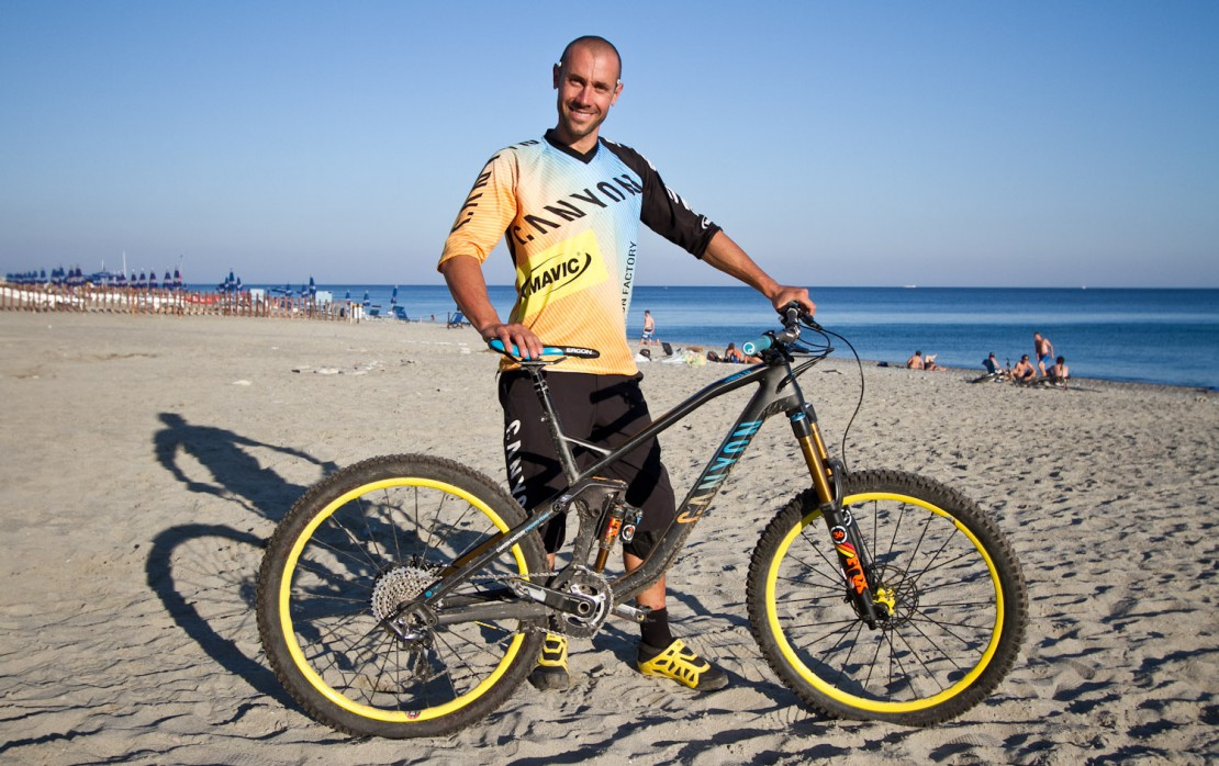 remote control bikes with Ews Finale Fabien Barel Bike Check on Scott Genius 750 2016 Xml 244 301 309 3861 furthermore Beatles Rock Band Wii Review together with New 2015 Chevrolet Camaro Style Kids Ride On Power Wheels Battery Toy Car Red moreover New Renault Duster 2018 Unveiled additionally Shengshou Pyraminx Triangle Rubik S Cube Pyramid Brain Teaser Puzzle Cube.