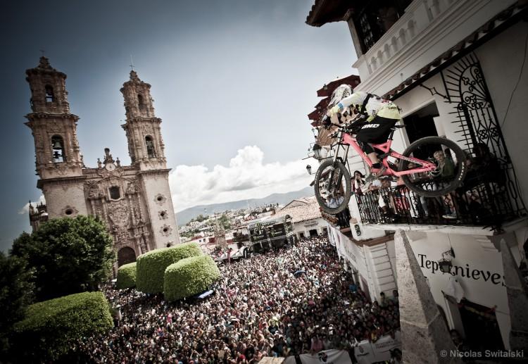 Ray.Taxco.2014.3657