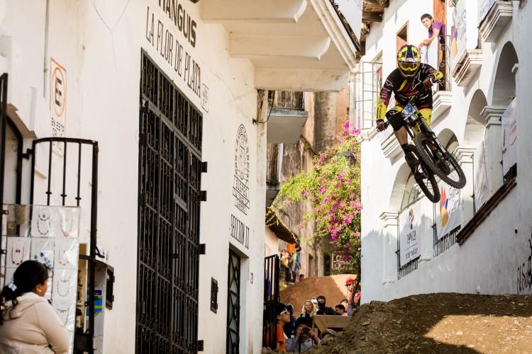 Trumpore_Taxco_UR-9