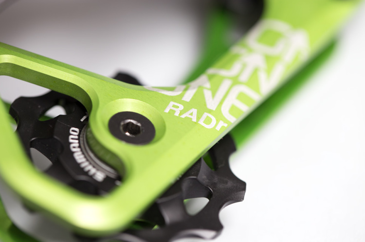 OneUp-Components-RADr-Cage-Saint-Green-Macro-Iso