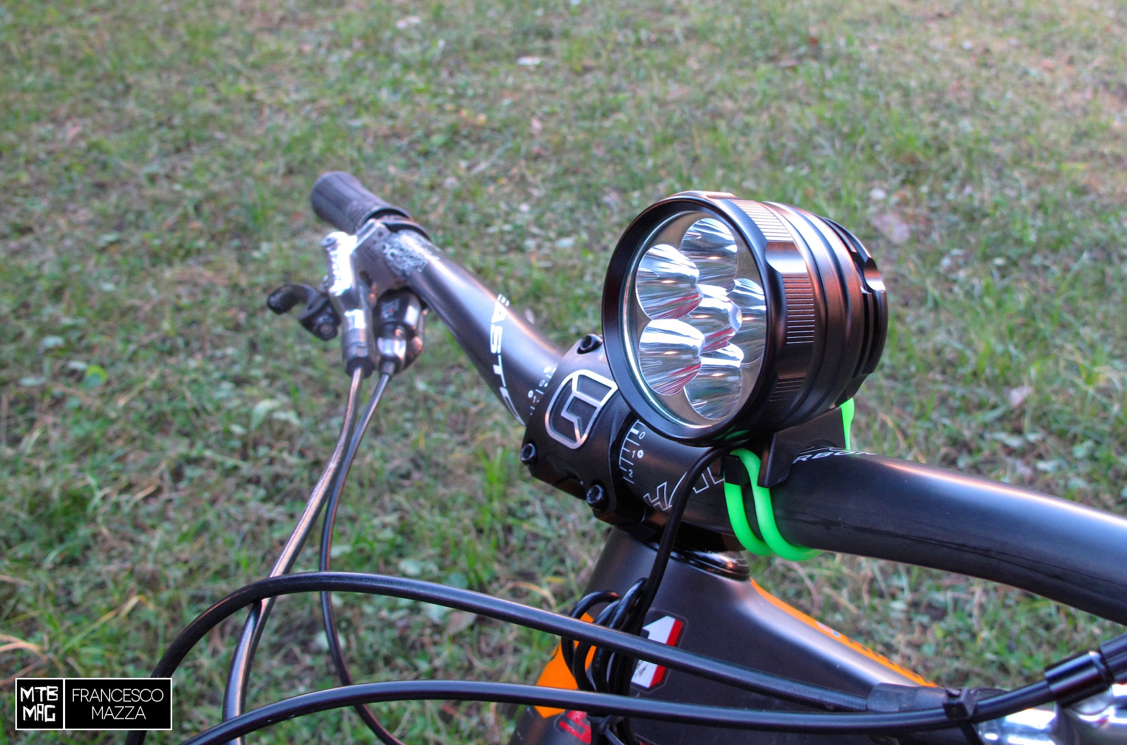 Tested on tour lampada lm a led mtb mag