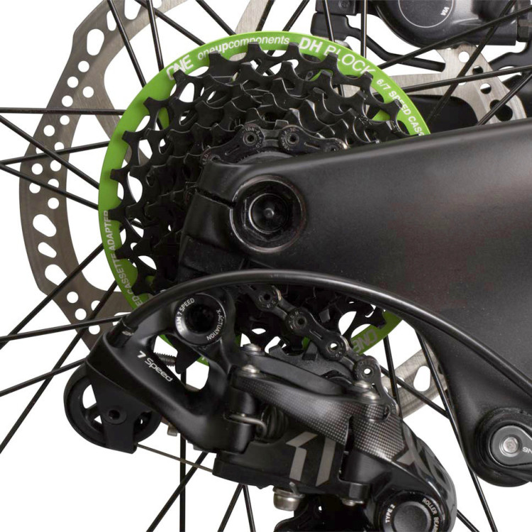 OneUp-Components-DH-Block-Green-Back-Iso--1030B-On-Bike_1024x1024