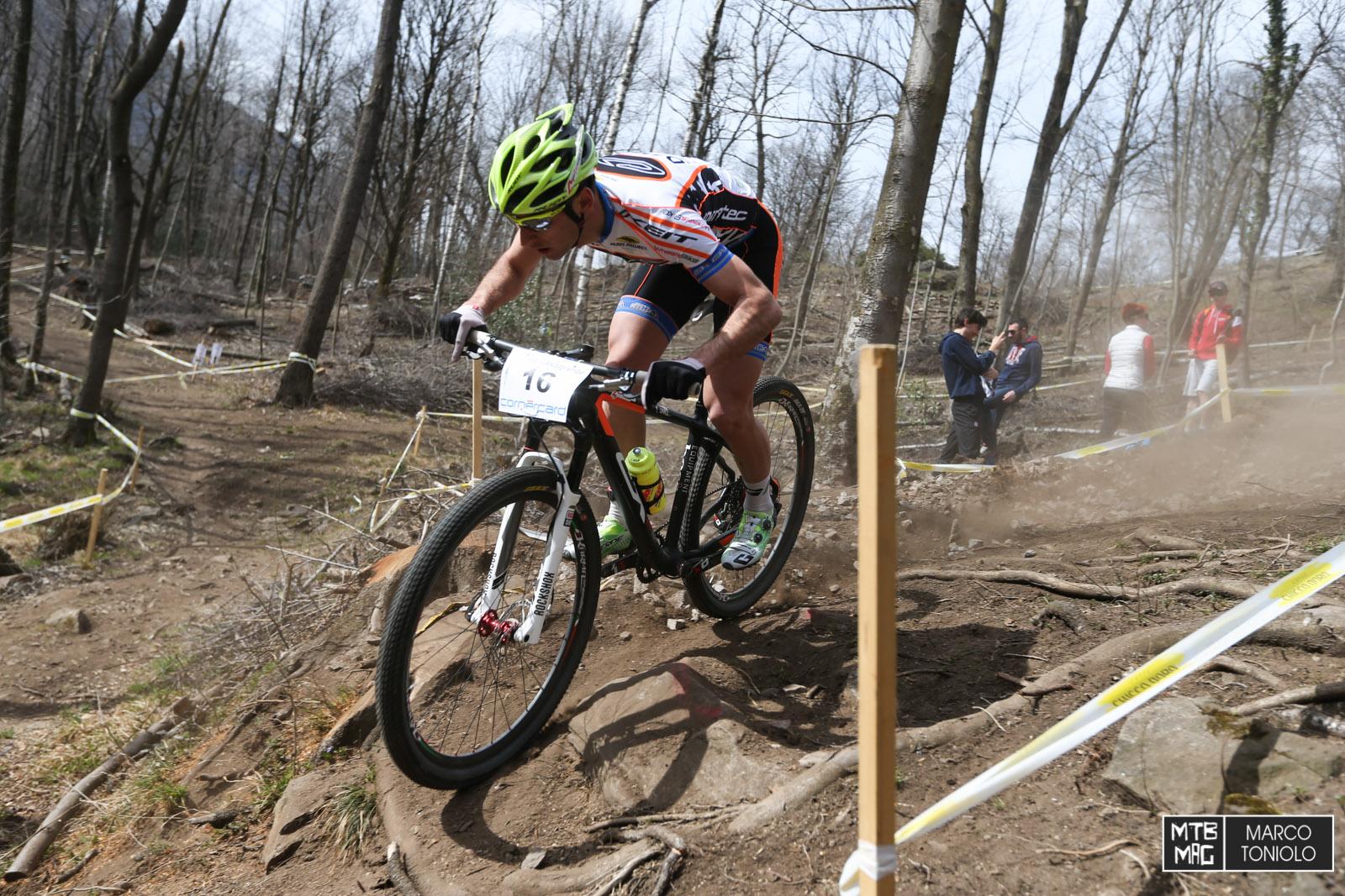 Secondo degli italiani è stato Michele Casagrande, che ha concluso la gara in nona posizione.