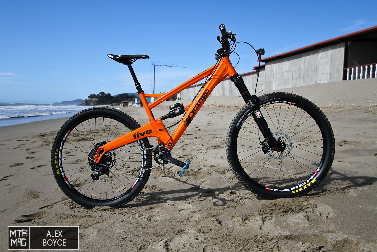140mm of travel out back and Trail/Enduro geometry.