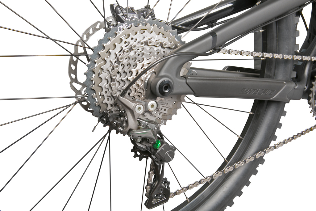 OneUp-Components-45T-Sprocket-GRY-32T-XTR-Narrow-Wide-Chainring-GRY-Santa-Cruz-2015-Nomad-Rear-Iso-Grn-1-1024