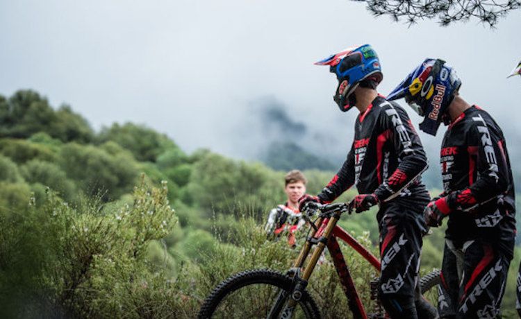 riders-dh-750x359