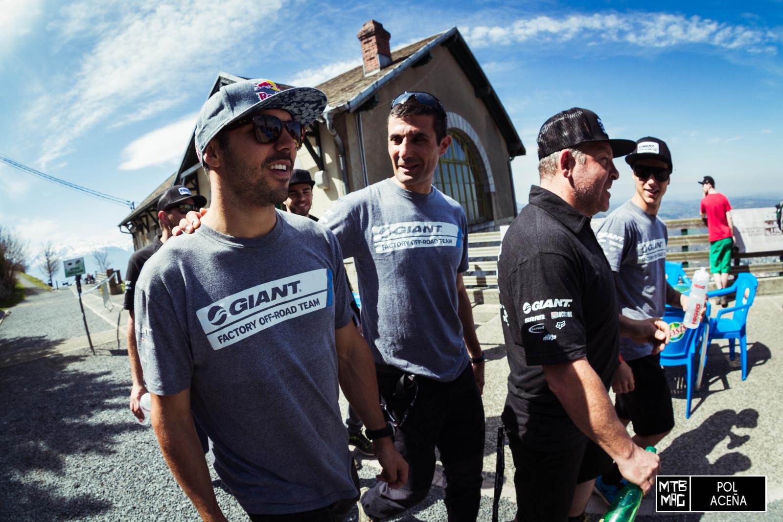 Marcelo, Oscar Saiz y Alex Marin, llegando a la salida del circuito.