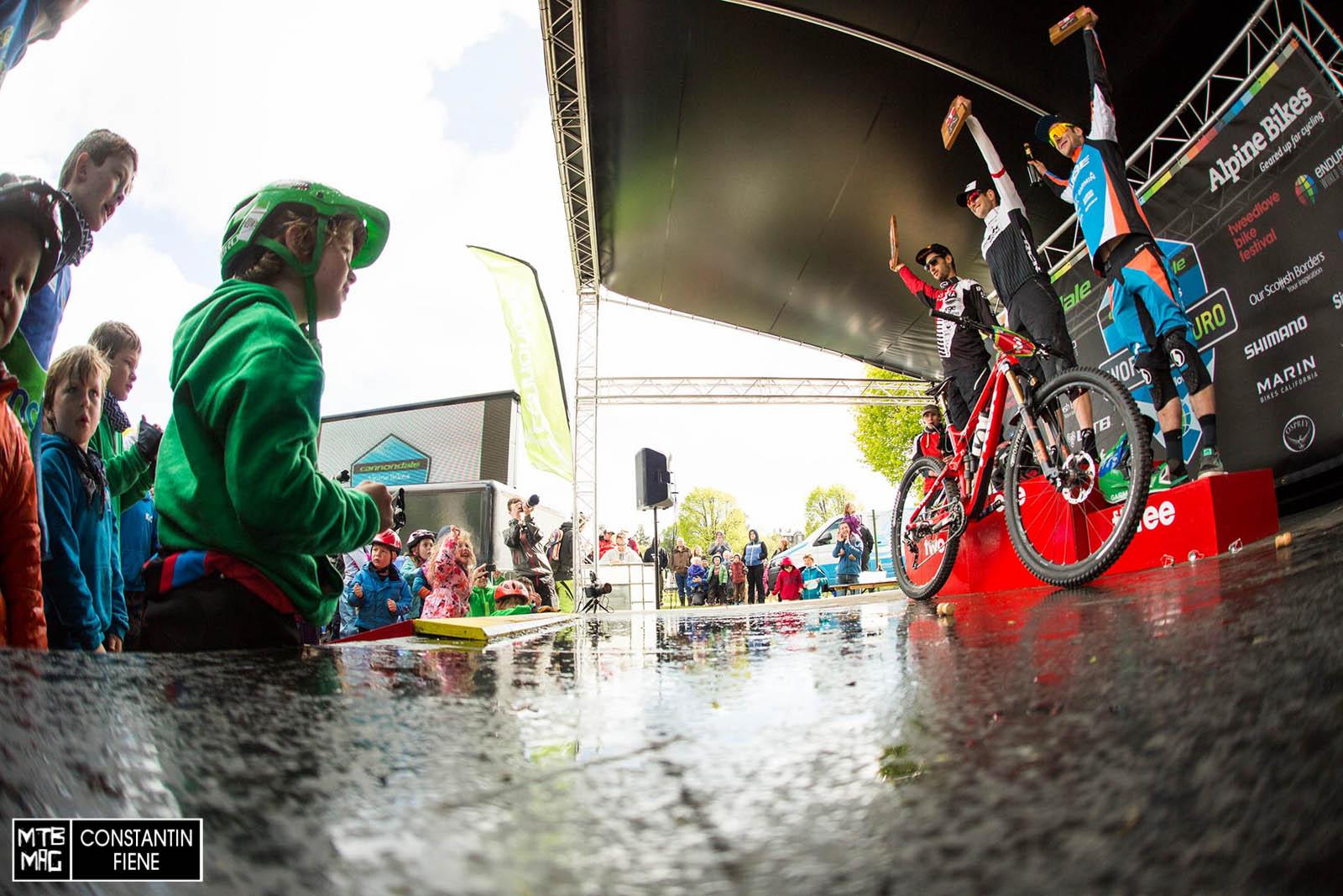 Una Trek Slash carbon è la bici vincitrice fra gli uomini