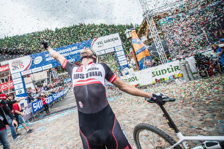 15_UCI WCS_Finish Men_Gold_Lakata