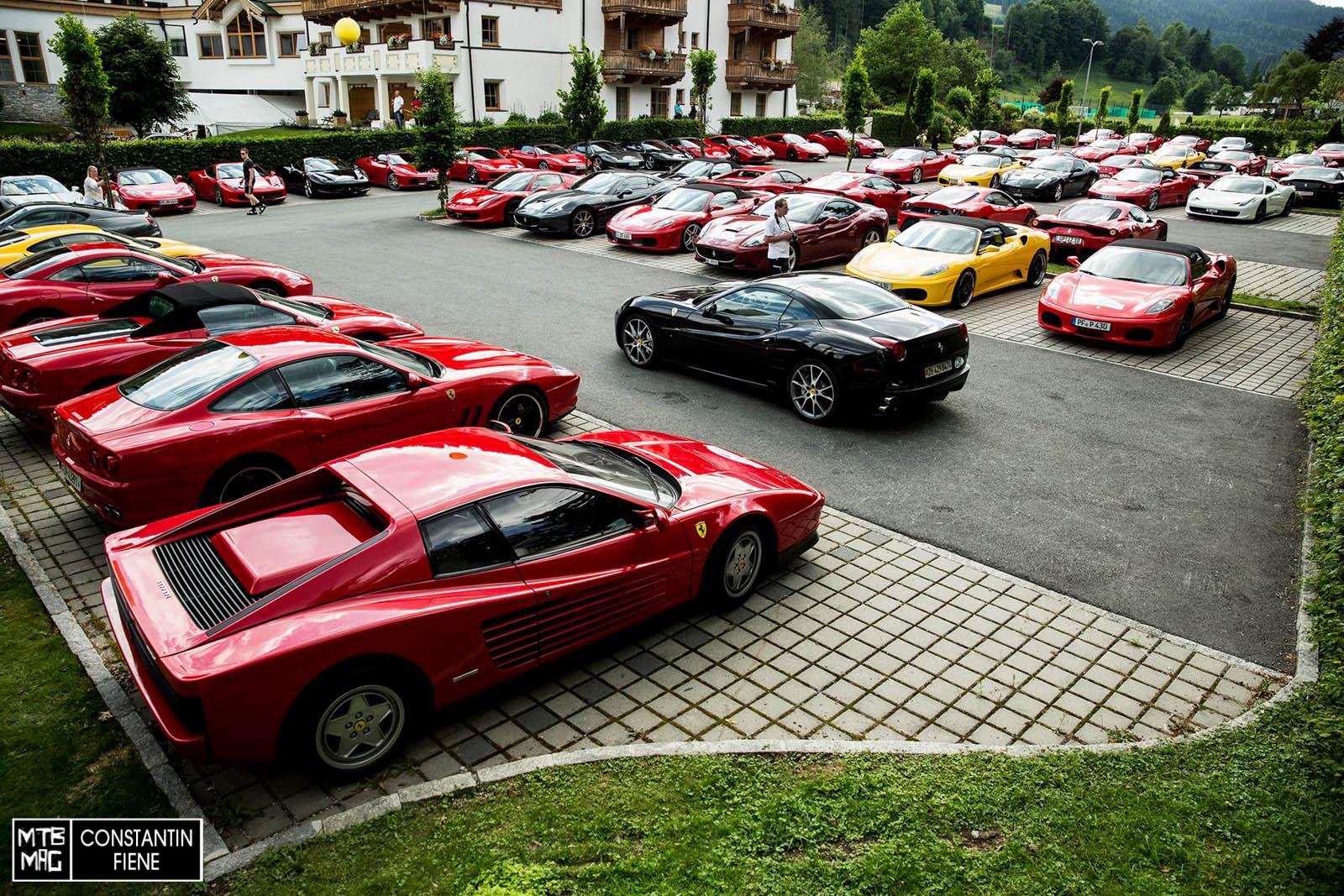 Es ist nicht nur World- Cup. Auch ein italinischer Autohersteller lud zum Treffen ein.