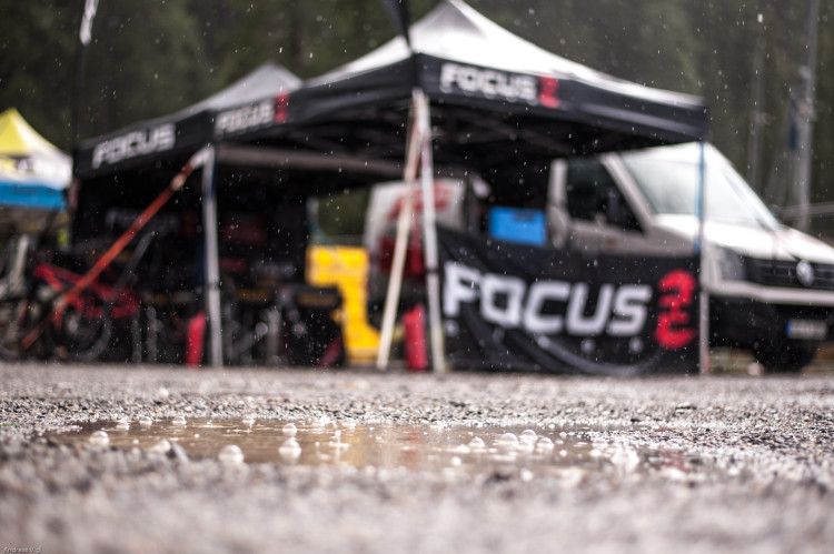 All kinds of weather at the 3rd stop of the European Enduro Series at Reschenpass, Austria, on July 25, 2015. Free image for editorial usage only: Photo by Andreas Vigl