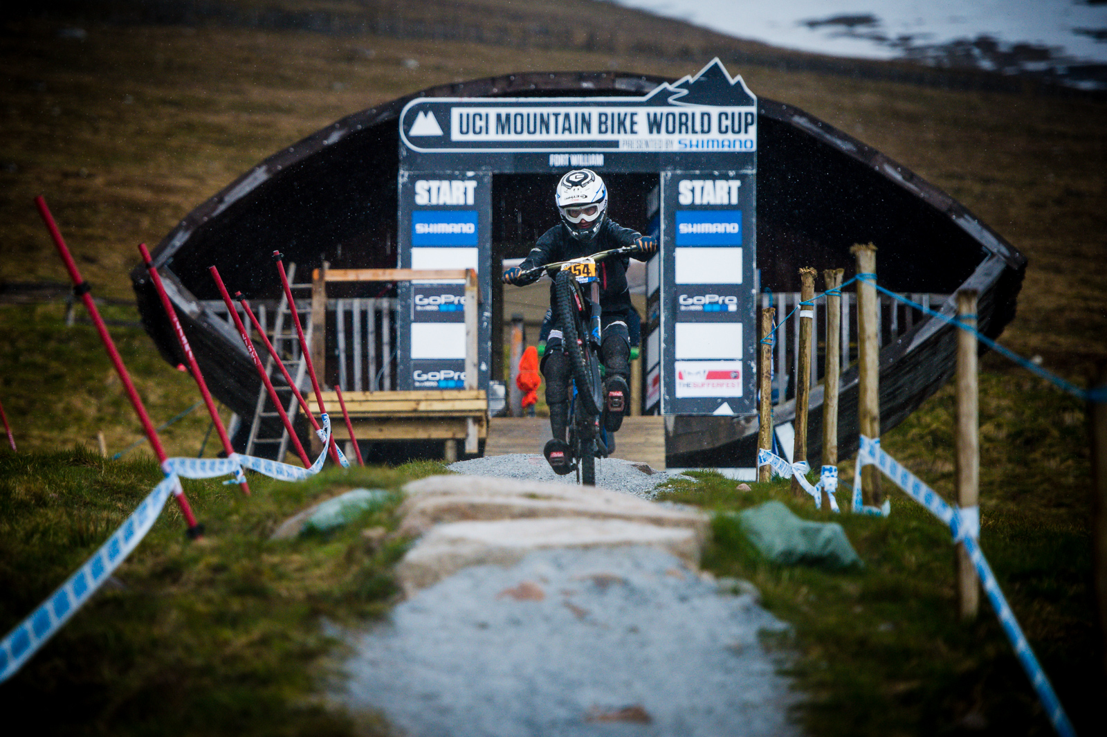 Innes Graham charging out of the gate into the heavy rain at Fort William.
