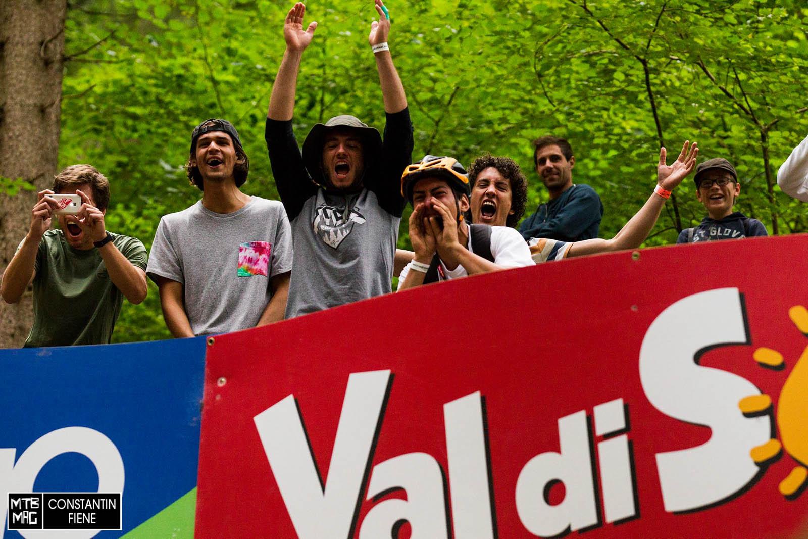 Val di Sole - die Fans hier haben ihre Hausaufgaben gemacht.