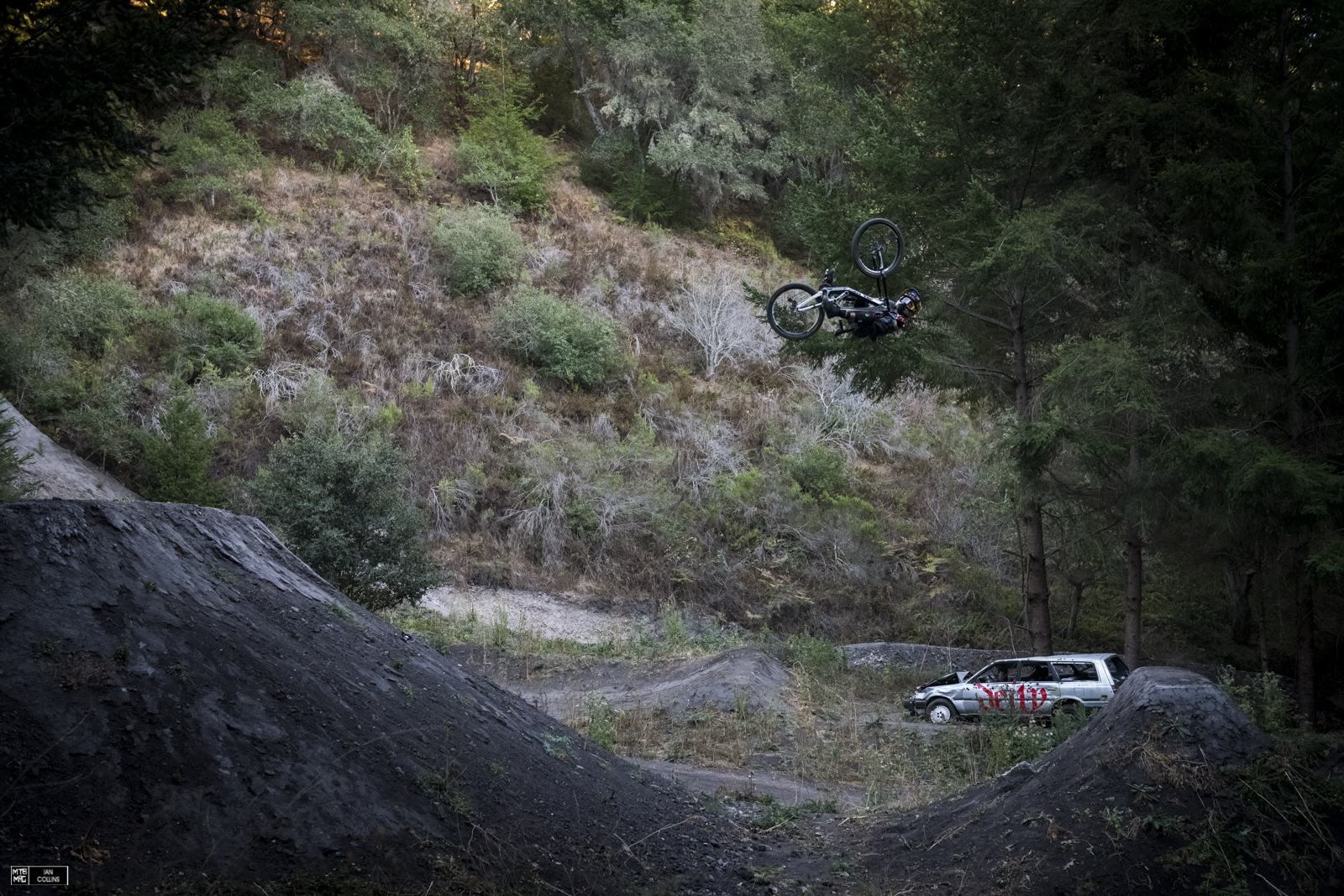 Andreu starting it off with an invert 360 table. It's not often you see that...especially on a DH bike.