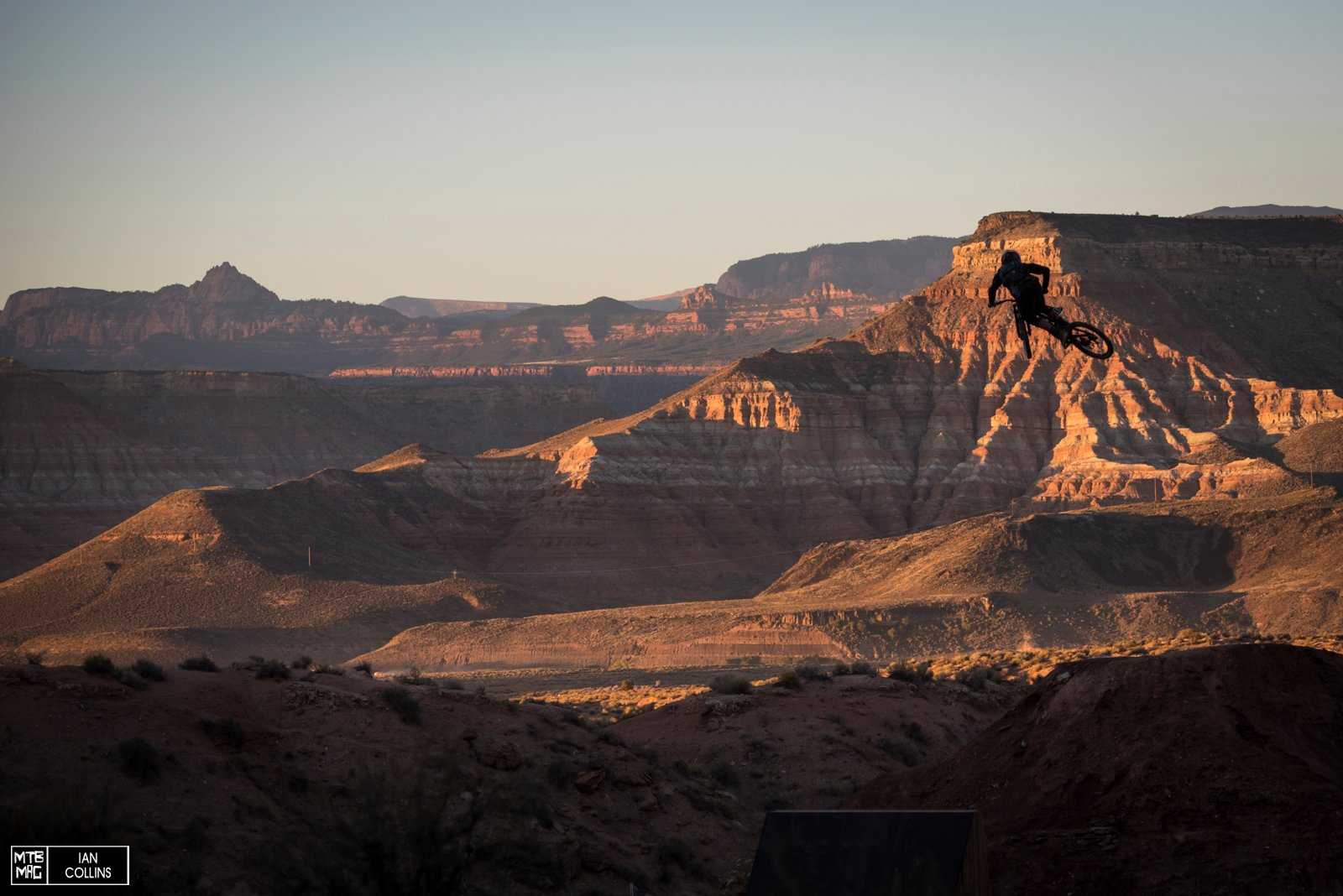 And a big session in the sunset is always a nice way to finish things off. Nico Vink blasting - moto style.