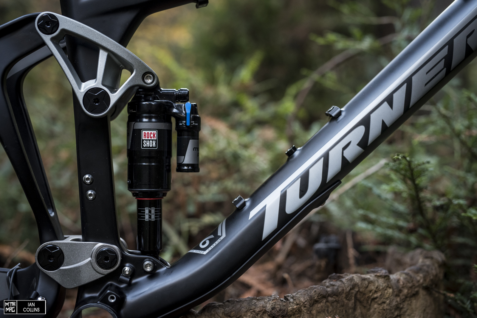 The heart of it all - DW link and a RockShox Monarch Plus Debonair - should be a nice combo.