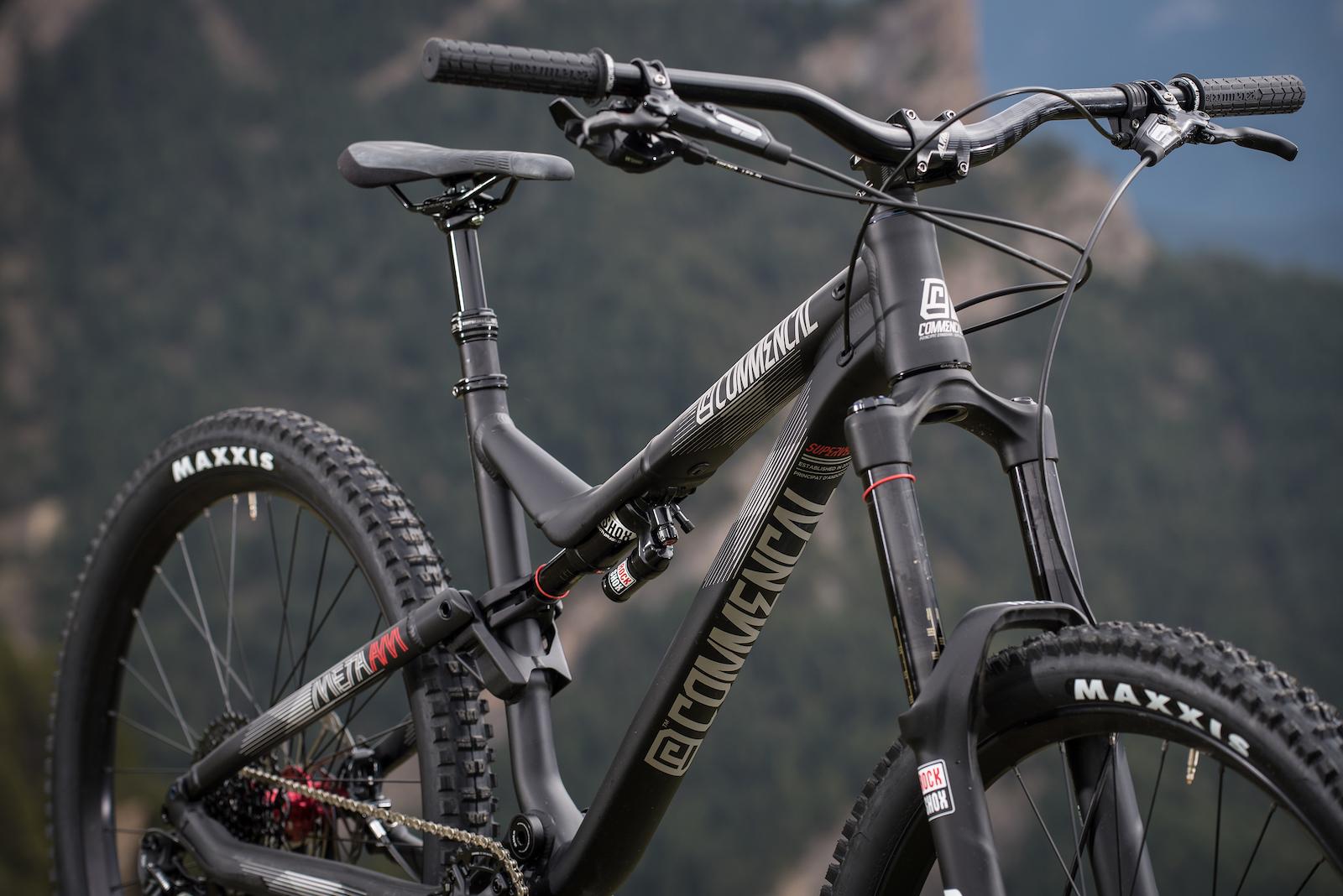 Meta-AM-Ride-Black6
