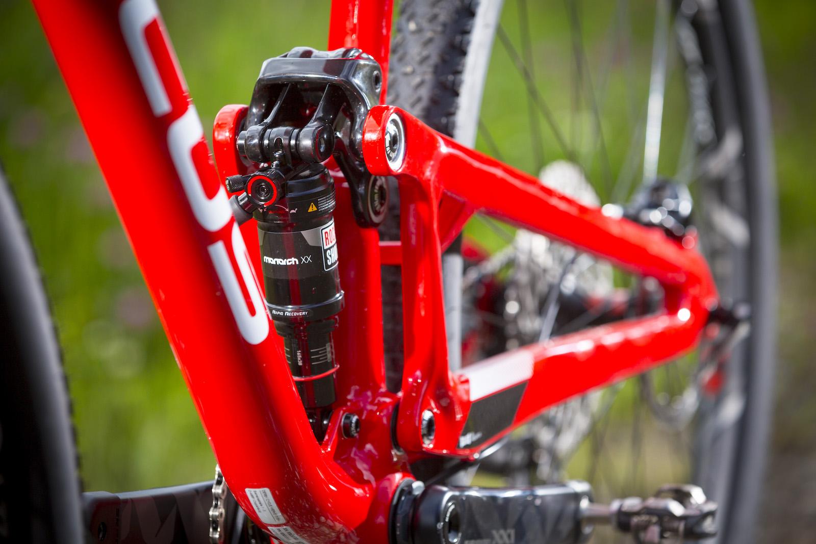 GD255805_Focus Morzine 2016 Bikes_One