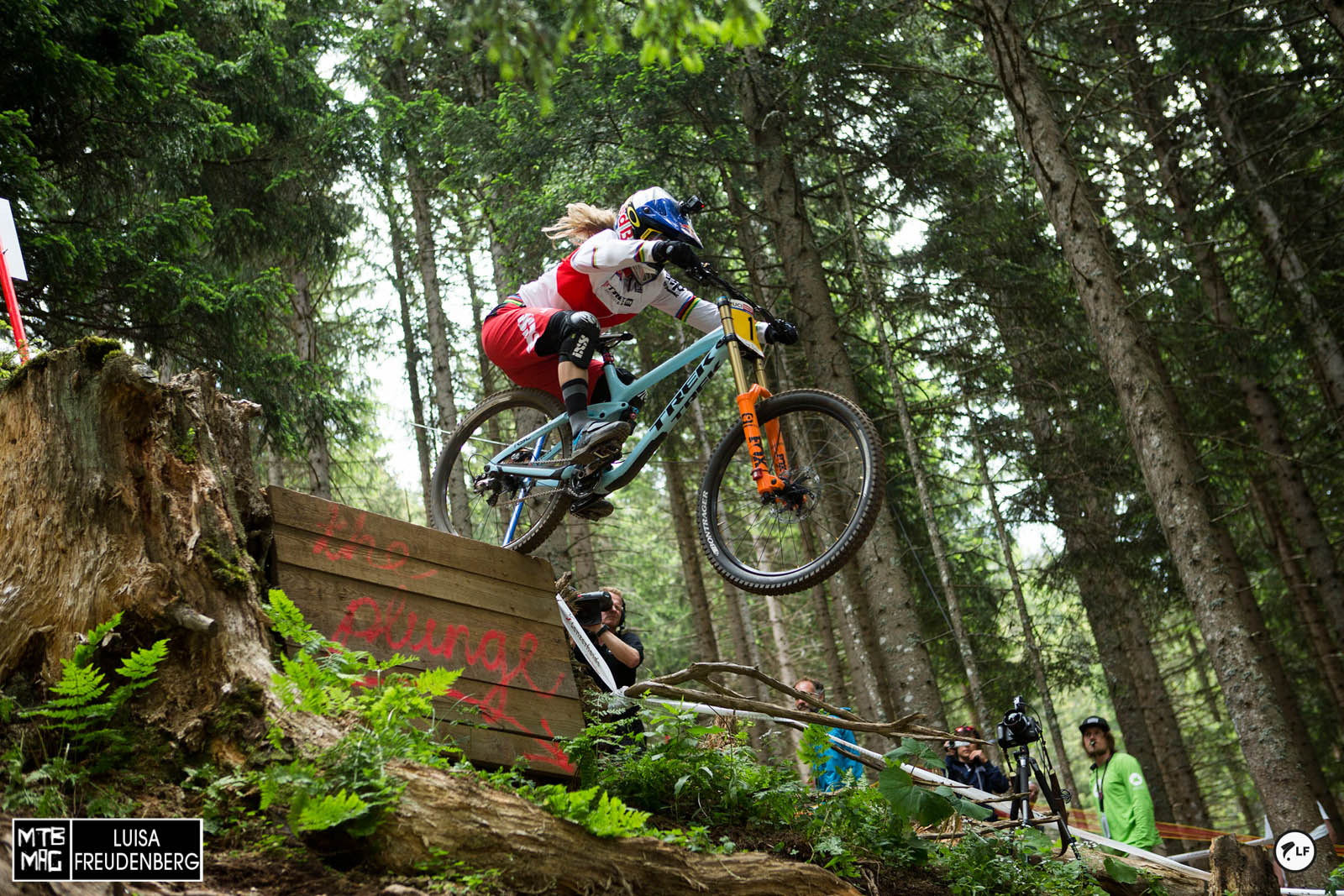 Rachel Atherton might actually have a bit of competition tomorrow with Tahnee Seagrave nipping at her heels.