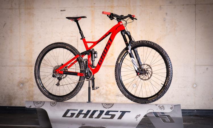 """Agressive trail bike on 29"""" wheels to slam the trails."""