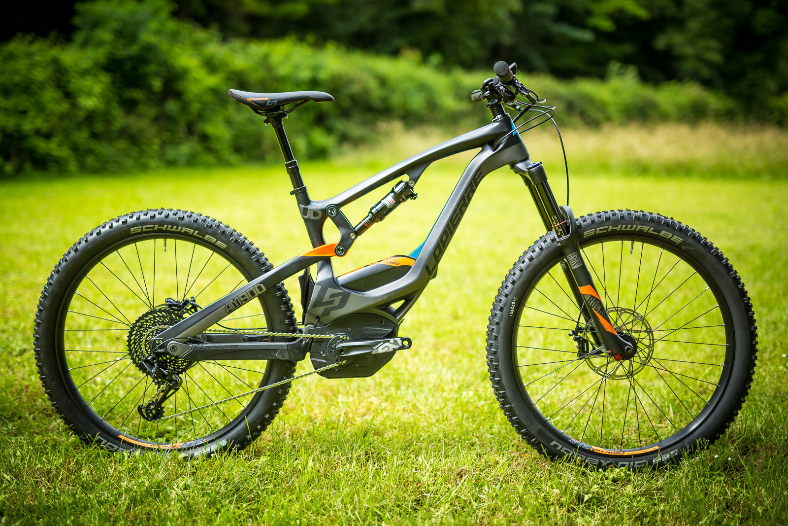 First Look 2017 Carbon Lapierre Overvolt Am900 E Bike