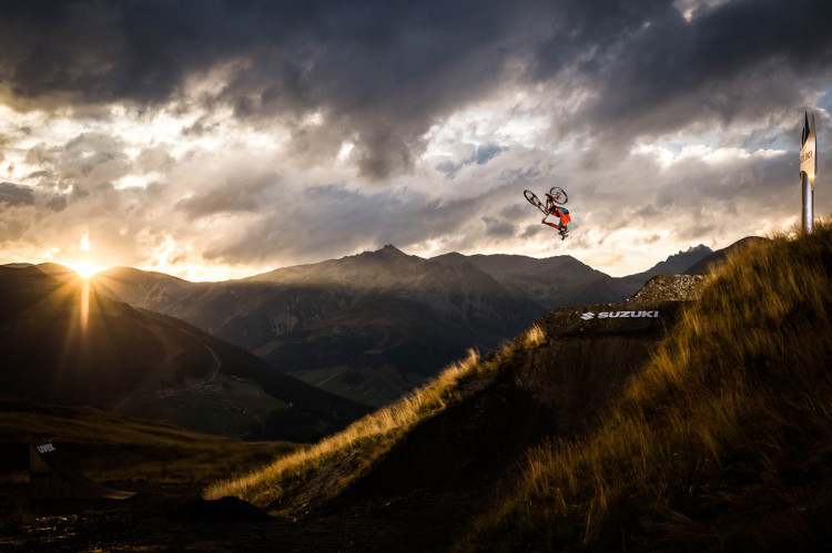Suzuki Nine Knights MTB 2015_Day3_Action_Sam Reynolds_Klaus Polzer_Distillery_NBH_29_LR