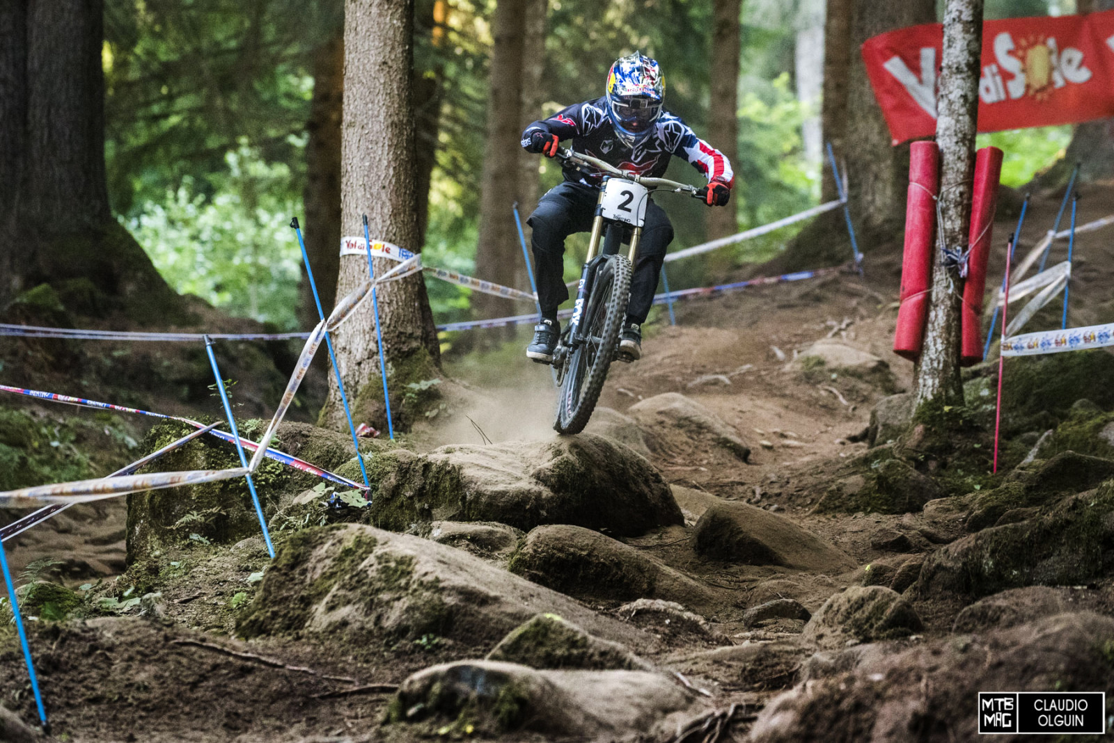Gwin would drop last and as he entered the woods he was about a second and a half back at the first split...