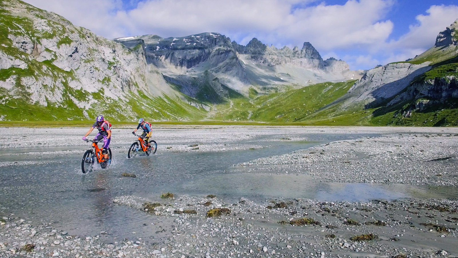 The Tectonic Arena Sardona is one of few places protected by UNESCO World Heritage in Switzerland and there is no better way to explore it then on a bike. Screenshot Video Marc Welschinger