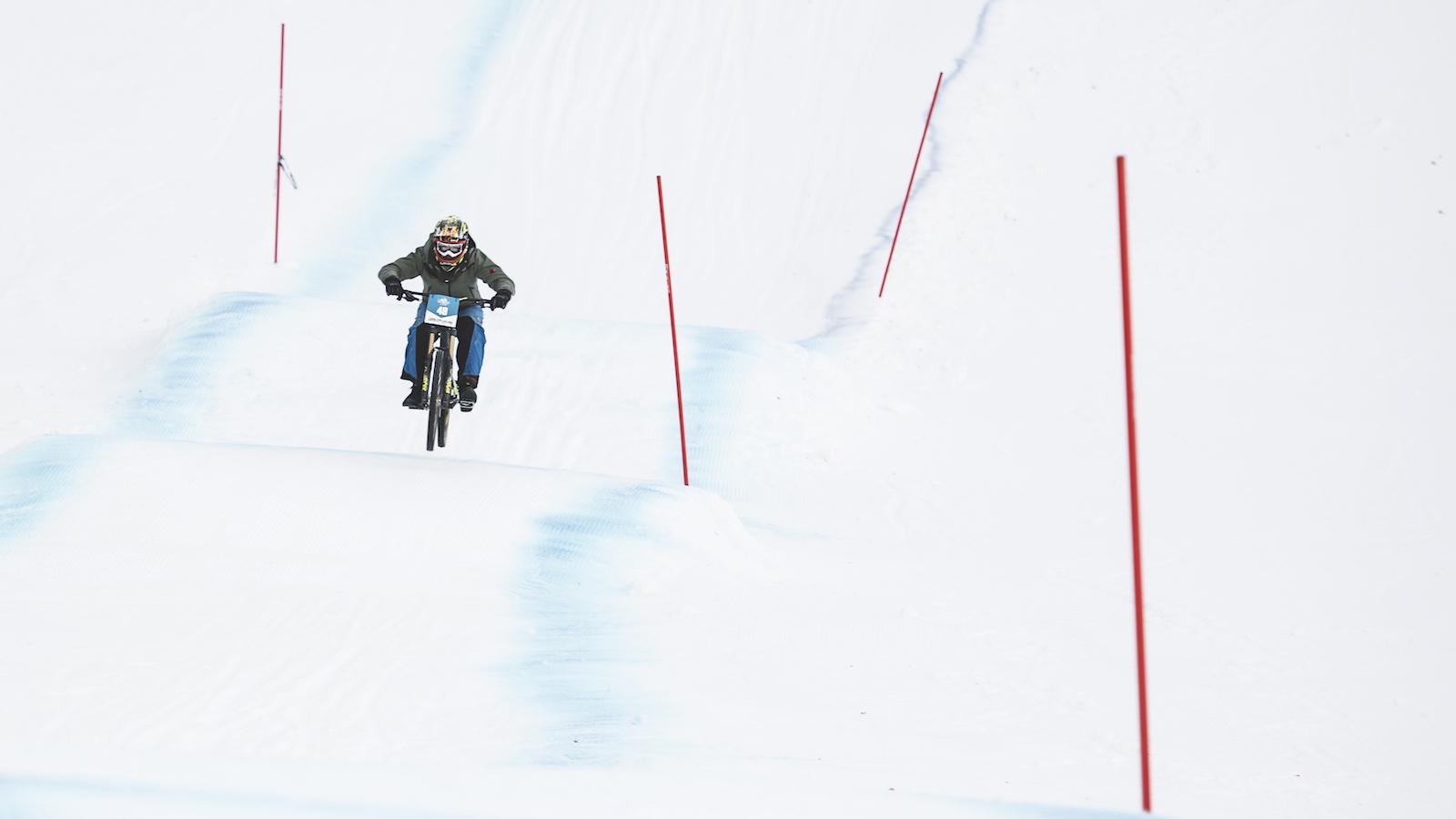 Ride-Hard-on-Snow-Lienz_Foto(c)Hannes-Berger