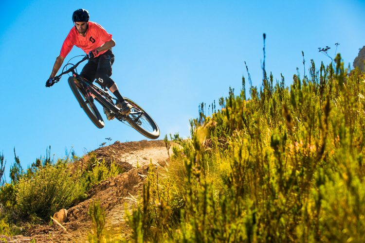 MTB-MAG COM - Mountain Bike Magazine | Andrew Neethling signs with