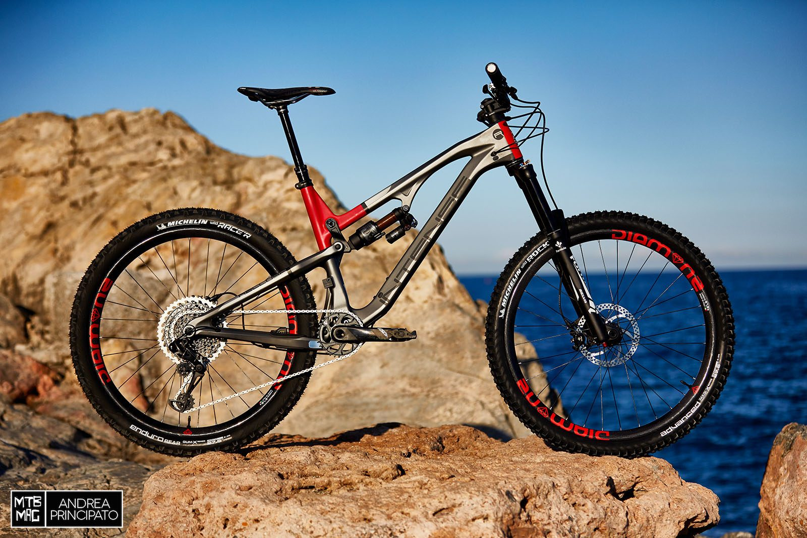 [First Look] Intense Recluse | MTB-MAG.COM