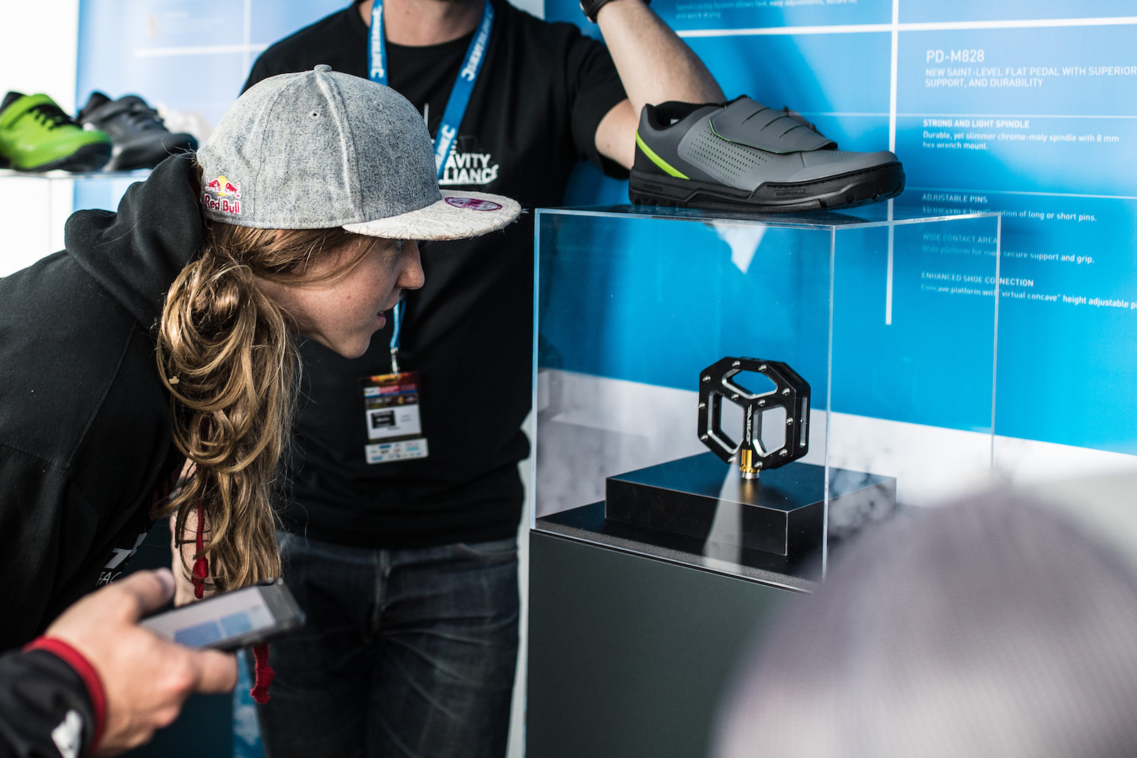 eb0f05518c0 For more than 25 years SHIMANO's has been examining feet to learn exactly  what mountain bikers need from lasts, sizes, supports, grips and styles, ...