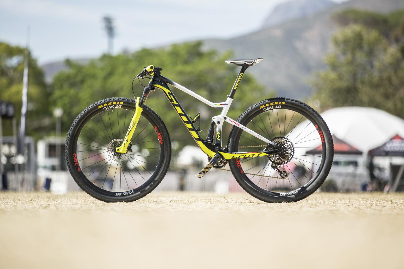 Mtb Magcom Mountain Bike Online Magazine La Scott Spark Rc 900