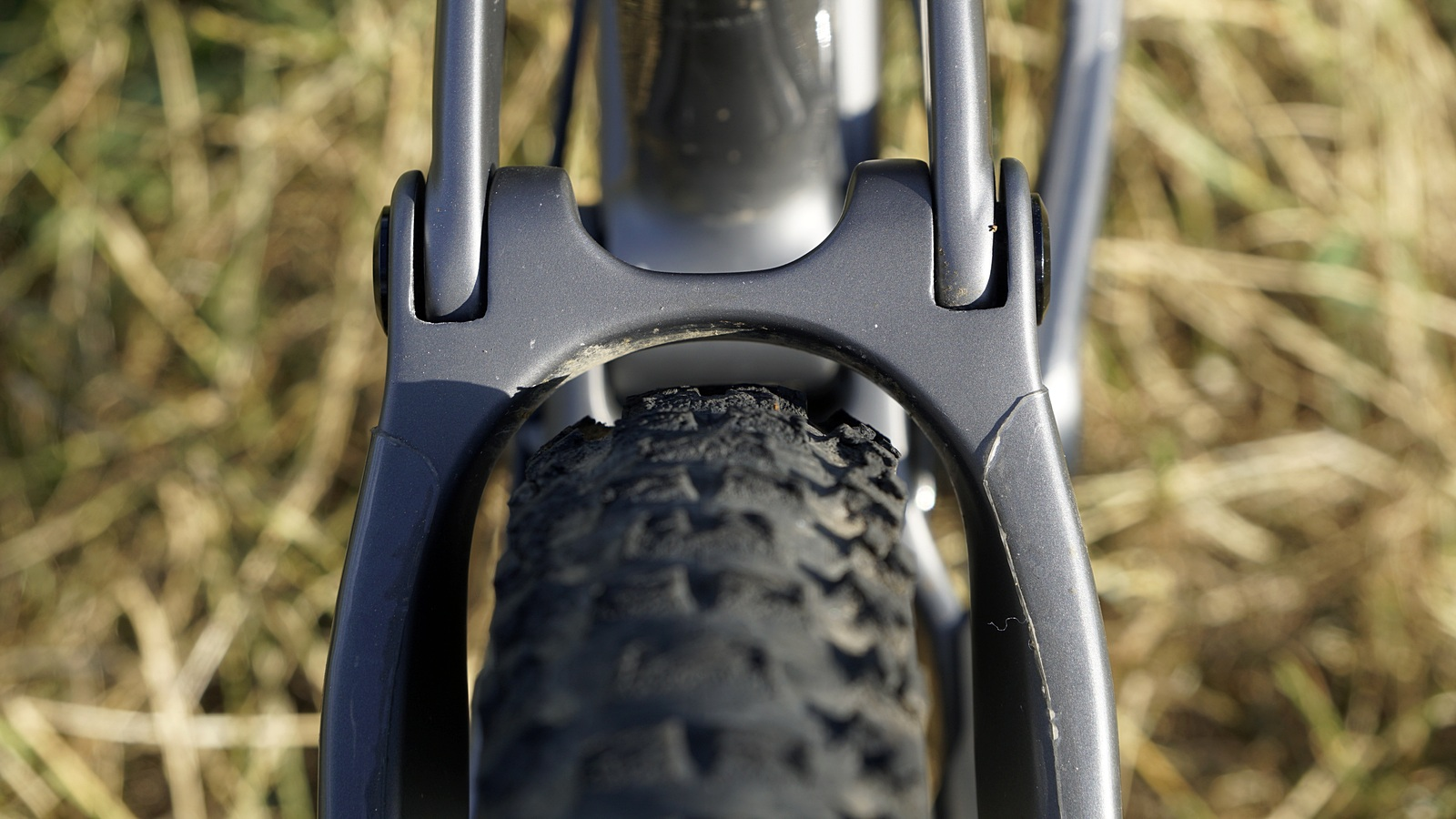 ac630641d8b On a bike with such an extreme geometry, having a short chainstay is  necessary in order to not lose too much agility. A short rear triangle, ...